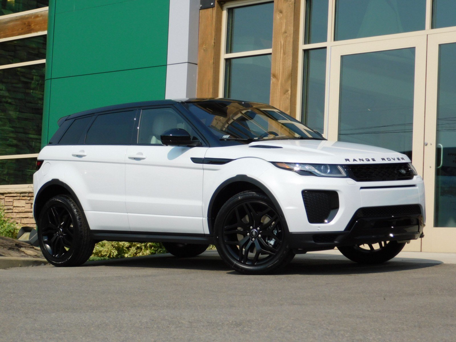 new 2018 land rover range rover evoque hse dynamic 4 door. Black Bedroom Furniture Sets. Home Design Ideas