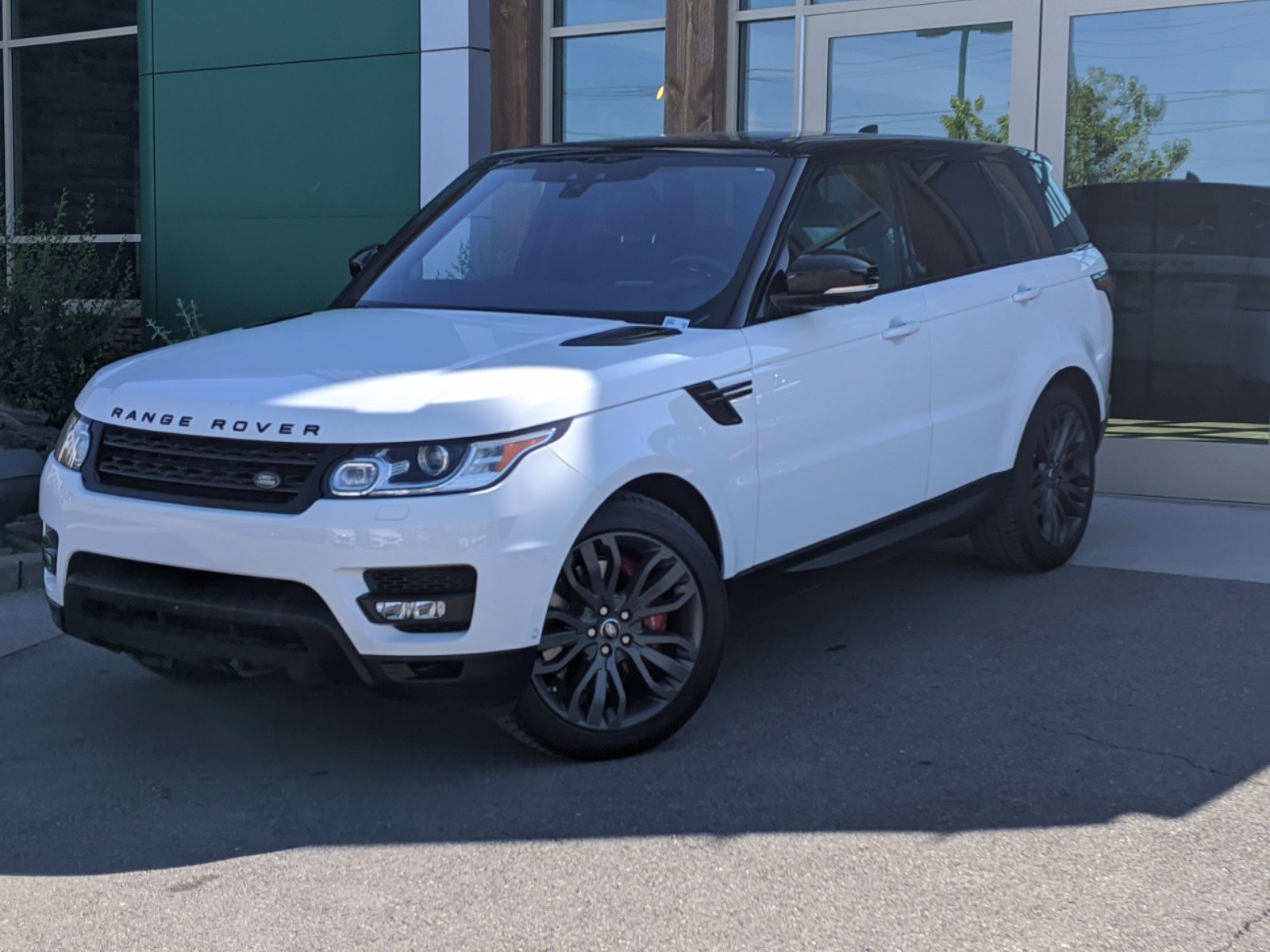 Pre-Owned 2017 Land Rover Range Rover Sport WAGON 4 DOOR